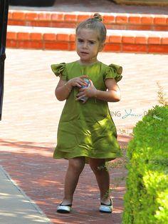 penelope disick - Recherche Google Little Girl Fashion, Kids Fashion, Penelope, Junior Fashion, Maternity Fashion, Maternity Style, Little Fashionista, Celebrity Outfits, Kid Styles