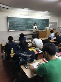 研究会B/Fの授業ではプレゼンテーションスキルの評価も行います女子学生が女子学生を増やすための企画を提案していますパワーポイントのできも悪くないですね  #九州共立大学 #経済学部 #スポーツビジネス #研究会 #プレゼンテーション #社会人基礎力 #即戦力  tags[福岡県]