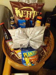 Beer Basket Beer Basket, Basket Ideas, Cute Gifts, Gift Baskets, Beautiful Gifts