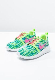 finest selection a076e 3165c Vêtements De Sport De Nike, Chaussures De Bébé, Paniers, Lime