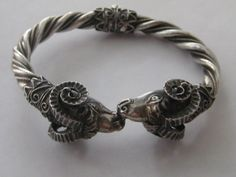 Vintage Sterling Silver hinged detailed RAMS HEAD twisted rope Bangle Bracelet #Hinged