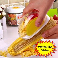 Removing corn kernels from corn cobs has never been easier. This easy to grip corn remover features a container that catches the kernels as they are stripped from the cob.