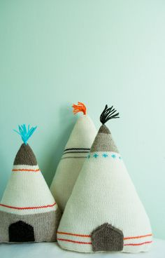 Tipi knitted pillows