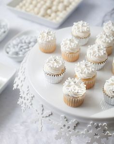Cupcakes. #white #cupcakes #food #Christmas #winter #snowflakes #decorated #dessert #wedding #beautiful