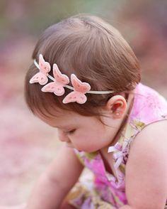 Felt butterfly headband by muffintopsandtutus on Etsy. Did I mention Phebe loves butterflies Toddler Headbands, Newborn Headbands, Felt Flowers, Fabric Flowers, Baby Hair Bands, Felt Headband, Baby Hair Accessories, Diy Bow, Hair Ornaments