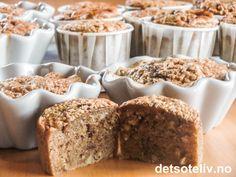 Hasselnøtt og nougat er en nydelig kombinasjon! Her i deilige muffins som får ekstra lett og myk konsistens fordi de lages med maizena i stedet for hvetemel. Oppskriften gir 12 stk.