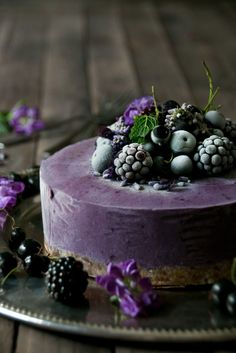 Acai-Berry Ice Cream Cake. Vegan and Raw, glutenfree and sugar free but still so…
