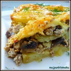 Zapiekanka ziemniaczana z mięsem mielonym to jedno z moich ulubionych dań. Często dodaję do niej różne warzywa, ale dziś wersja z pieczarkam...