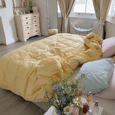 Dream Rooms, Dream Bedroom, Room Ideas Bedroom, Bedroom Decor, Bedroom Inspo, Deco Studio, Aesthetic Room Decor, Cozy Room, My New Room