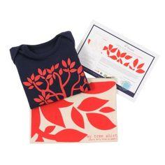 Cadeau de naissance Conscients, collection my tree shirt (body coton bio + arbre + trousse en coton bio) http://www.conscients.com/shop/59-318-thickbox/cadeau-naissance-bebe-bio-my-tree-shirt-rouge-conscients.jpg