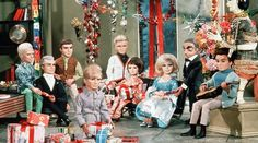 The International Rescue team celebrate Christmas on Tracy Island Family Christmas, Vintage Christmas, Christmas Holiday, Xmas, Thunderbirds Are Go, Alien Concept Art, Favorite Cartoon Character, Kids Tv, Old Tv Shows