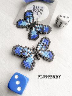Boucles doreilles en perles Hama Mini - Flutterby Tout en métal est argenté. Sans plomb. Diverses couleurs disponibles. Il suffit de demander ! Va parfaitement avec le collier Flutterby que vous pouvez acheter ensemble comme une version combo ici :