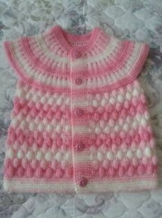 Making Baby Vest With Bonbon Candy Knitting Model - Stricken Baby Cardigan, Cardigan Bebe, Baby Pullover, Baby Knitting Patterns, Knitting Designs, Crochet For Kids, Crochet Baby, Diy Crafts Knitting, Pull Bebe