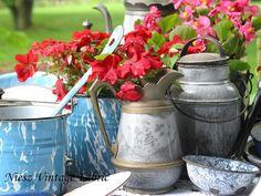 Vintage Graniteware by Niesz Vintage Fabric, via Flickr