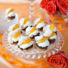 Spröda petit-choue-bakelser som riktigt smälter i munnen. Lollipop Candy, Munnar, Profiteroles, Candy Cookies, Swedish Recipes, Fika, Baking Tips, Nutella, Sushi