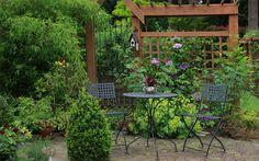 Small garden design ideas - secluded seating areas are best for small gardens