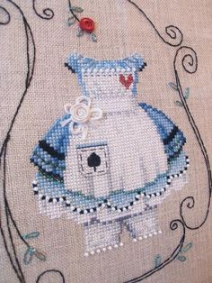 ALICE IN WONDERLAND~Embroidery: Brooke's Books Dress Up Alice Chart-Only