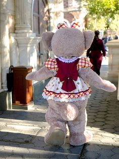 Duffy The Disney Bear, Disney Love, Disney Stuff, Disney Parks, Disney Pixar, Disney Characters, Pluto Disney, Disney Costumes, Disneyland