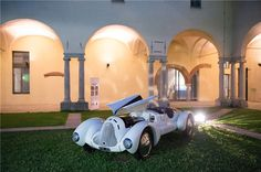 3 July 2014 - Thursday, Cuervo y Sobrinos Cup Live. Opening ceremony in Milan. Opening Ceremony, Thursday, Antique Cars, Classic Cars, Italy, Live, Raven, Vintage Cars, Italia