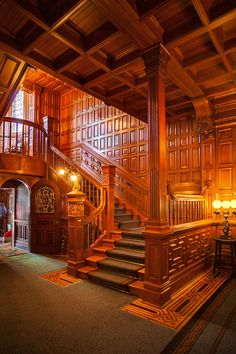 Craigdarroch Castle in Victoria, British Columbia, Canada, is a historic, Victorian-era Scottish Baronial mansion. It was designated a National Historic Site of Canada due to its landmark status in Victoria. Beautiful Architecture, Architecture Details, Interior Architecture, Farmhouse Architecture, Classical Architecture, Victorian Interiors, Victorian Homes, Victorian Era, Casa Estilo Tudor