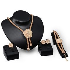 Prezzi e Sconti: A #suit of rhinestoned flower shape necklace Instock  ad Euro 4.64 in #Golden #Fashion jewelry necklaces