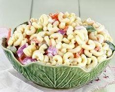 Salade fraîche de coquillettes au yaourt et crudités