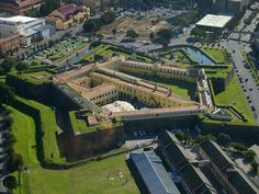 Castle of Good Hope, Cape Town, is the oldest surviving building in South Africa. Built between 1666 and Most Beautiful Cities, Beautiful Buildings, Star Fort, Places To Travel, Places To Visit, Namibia, Cape Town South Africa, Out Of Africa, Great Places