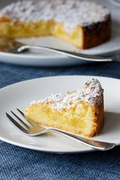 Lemon Teacake by AngelDust Made this tonight for a quick dessert Yum yum yum. Will definitely be making it again. jennyap The post Lemon Teacake appeared first on Win Dessert. Lemon Desserts, Lemon Recipes, Baking Recipes, Sweet Recipes, Quick Desert Recipes, Lunch Recipes, Quick And Easy Recipes, Delicious Desserts, Tea Cakes