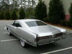 1968 Buick Wildcat Pictures: See 24 pics for 1968 Buick Wildcat. Browse interior and exterior photos for 1968 Buick Wildcat. Vintage Cars, Antique Cars, Buick Wildcat, Buick Cars, Pontiac Cars, Automobile, Super Images, Gm Car, Cars Usa