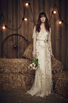 The new Jenny Packham wedding dresses have arrived! Take a look at what the latest Jenny Packham bridal collection has in store for newly engaged brides. Jenny Packham Wedding Dresses, Jenny Packham Bridal, Lace Wedding Dress, Wedding Gowns, Wedding Hair, Spring 2017 Wedding Dresses, Country Wedding Dresses, Bridal Dresses, Prom Dresses