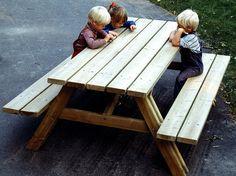 Mesa de picnic con bancos integrados PICNIC - Nola Industrier                                                                                                                                                      Más