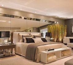 Bons sonhos com este lindo ambiente by @claudia_pimenta e @patyfranco72 na Mostra Artefacto 40 anos.  Como não amar rs?! Venha para o nosso Snap:  hi.homeidea  #bloghomeidea #olioliteam #arquitetura #ambiente #archdecor #archdesign #cozinha #kitchen #arquiteturadeinteriores #home #homedecor #style #homedesign #instadecor #interiordesign #designdecor #decordesign #decoracao #decoration #love #instagood #decoracaodeinteriores #lovedecor #lindo #luxo by bloghomeidea http://discoverdmci.com