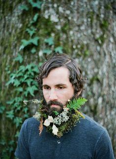 Flores en la barba: la última excentricidad de los #hipster