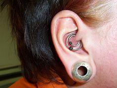 Double Daith Ear Piercing looks amazing Daith Ear Piercing, Peircings, Piercing Tattoo, Body Piercing, Venom Bites, Labret, Body Modifications, Body Jewelry, Body Art