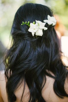 24 Trendy Flowers In Hair For Wedding Bridesmaid Bouquets Wedding Nails For Bride, Wedding Hair Down, Wedding Hair And Makeup, Bridal Hair, Wedding Bridesmaid Bouquets, Champagne Bridesmaid Dresses, Bridesmaid Hair, Wedding Dresses, Engagement Hairstyles