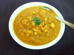Vanilla & Spice: Thanksgiving Week - Day 2: Curried Pumpkin Cauliflower Soup