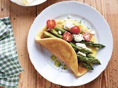 Omeletts mit grünem Spargel