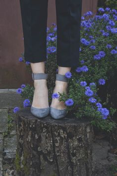 Cute pairing of suede pumps and ankle pants