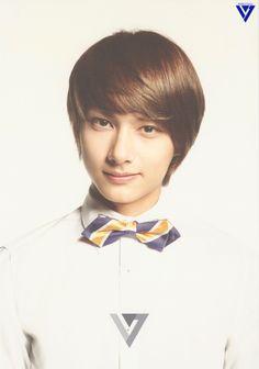 "Wen Junhui 文俊辉 ""Moon Joonhui 문준휘"" (aka Jun 준) of the Seventeen 세븐틴 Performance unit was born June 10, 1996 in China"