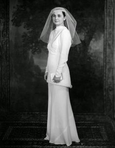 vintage everyday: 11 Beautiful Vintage Bridal Gowns in Cleveland from the 1930s