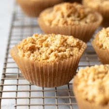 These Gluten-Free Coffee Cake Muffins are fluffy, moist, and packed with good-for-you ingredients. Made with a combination of almond, coconut and tapioca flour, this gluten-free muffin recipe is grain-free, made with unrefined sweeteners, and is the perfect grab-and-go breakfast! Best Banana Muffin Recipe, Keto Muffin Recipe, Keto Banana Bread, Muffin Recipes, Diet Recipes, Cake Recipes, Gluten Free Coffee Cake, Coffee Cake Muffins, Gluten Free Muffins