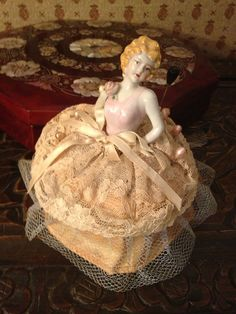 BEAUTIFUL VINTAGE PINCUSHION with Half-Doll