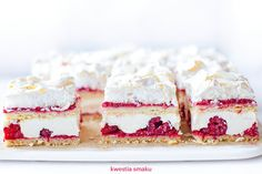 Pychotka malinowa Rasberry Cake, Raspberry Pancakes, Layered Desserts, Summer Cakes, Tasty, Yummy Food, Some Recipe, Food Cakes, Something Sweet