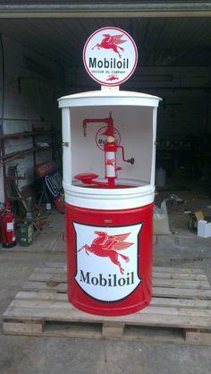 Mobiloil 45 gallon oil dispenser