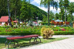 peste vale Turism Romania, Outdoor Furniture Sets, Outdoor Decor, Places To Go, Home Decor, Cabin, Decoration Home, Room Decor, Interior Design