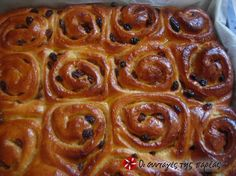 Cinnamon Rolls with Cream Cheese Frosting Cinnabon, Greek Desserts, Greek Recipes, Snack Recipes, Cooking Recipes, Snacks, Yeast Bread, Sweet Cakes, Cream Cheese Frosting