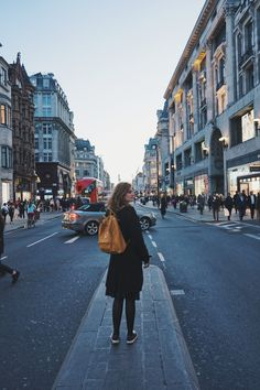 This travel diary of one week in London should provide some tips on what to do and what you definitely should consider. You find tips on flight, transportation, accommodation, sights, shopping and other things which are useful to know. London Travel, Travel Tips, Street View