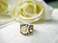 Fancy - Vintage White Daisy Ring. Purity. Innocence. Language Of Love. Antique Brass Filigree Ring. Romantic | Luulla