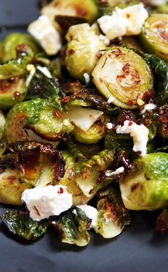 Roasted brussel sprouts with creamy goat cheese and chili honey. Sweet, spicy, a… Roasted brussel sprouts with creamy goat cheese and chili honey. Sweet, spicy, a… – VEGETABLES / SIDES / VEGETARIAN 2 – Sprout Recipes, Vegetable Recipes, Vegetarian Recipes, Cooking Recipes, Healthy Recipes, Vegetable Sides, Vegetable Side Dishes, Side Dish Recipes, Dinner Recipes