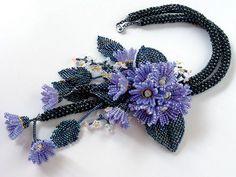 ブルーパープルの小花のお花畑ネックレス